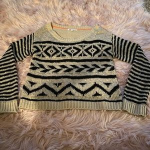 ❤️Tan and black knitted sweater